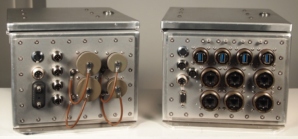 Left: ADL Control Computer, Right: ADL image acquisition computer